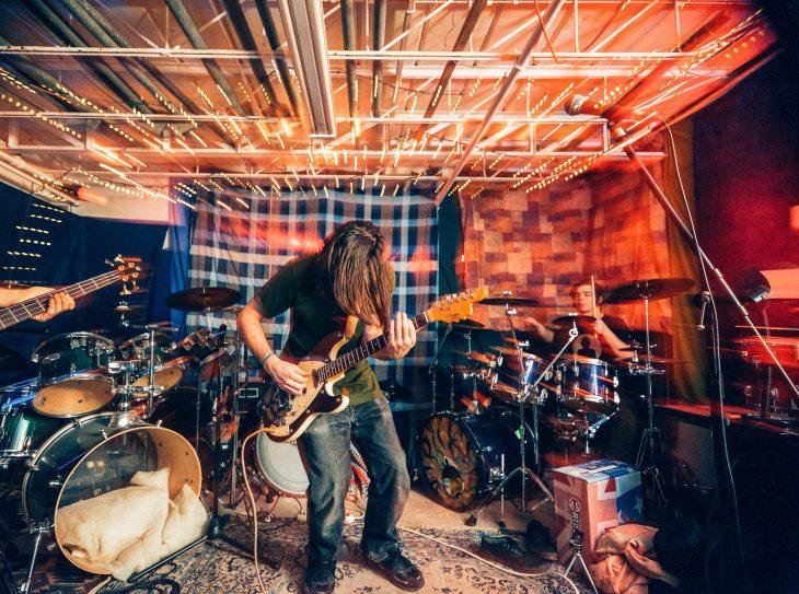 photo-of-man-playing-guitar-3536236.jpg